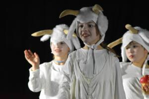 kinderbuehne wettingen kurs6 die sieben geisslein 09  31.03.2019