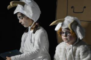 kinderbuehne wettingen kurs6 die sieben geisslein 15  31.03.2019