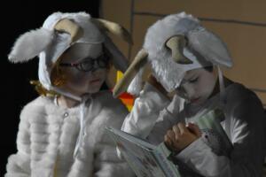 kinderbuehne wettingen kurs6 die sieben geisslein 21  31.03.2019