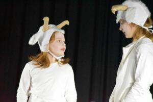 kinderbuehne wettingen kurs6 die sieben geisslein 27  31.03.2019