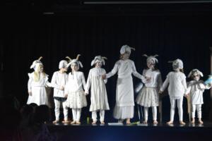 kinderbuehne wettingen kurs6 die sieben geisslein 31  31.03.2019