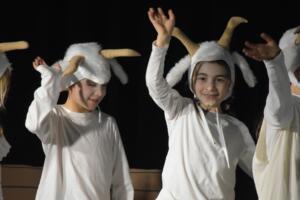 kinderbuehne wettingen kurs6 die sieben geisslein 32  31.03.2019