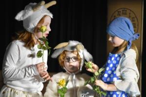 kinderbuehne wettingen kurs6 die sieben geisslein 40  31.03.2019